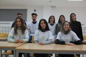 Un grupo de estudiantes de Derecho plantea el reto viral #Corazonesdorados, destinado a recaudar fondos para la ong malagueña ASPANOMA