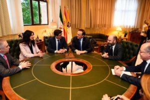 El rector de la UCO se ha reunido con Juan Marín para impulsar la puesta en marcha de la Cátedra de Turismo Cultural y Patrimonial de Córdoba