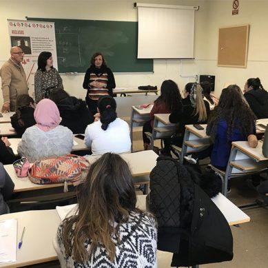 Estudiantes de la UJA se forman para realizar talleres en el Centro Penitenciario de Jaén