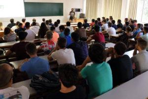 La Junta de Andalucía adelante un mes el cierre de las matrículas universitarias de grado y adelanto en dos semanas las matrículas de máster