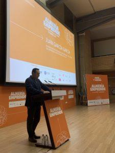 El vicerrector Juan García presentó las Jornadas Almería Emprende