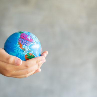 '¿Qué puedes hacer tú por el planeta?' La V Edición del Concurso de Artículos de Opinión de la UGR