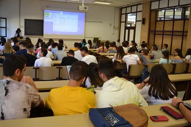 Ampliado el plazo para solicitar una de las becas UAL-Santander Progreso