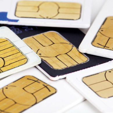 Mil tarjetas SIM para facilitar el acceso a internet a estudiantes universitarios becados