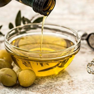 El aceite de orujo de oliva, un elixir para reducir la tendencia a la obesidad