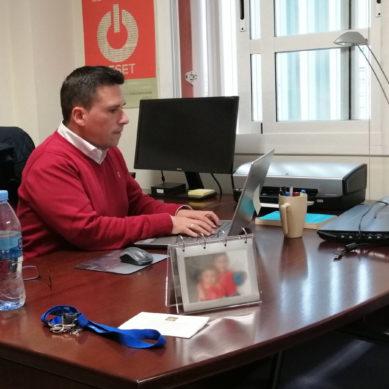 Un profesor de la UPO traduce al español un cómic sobre el coronavirus