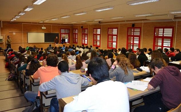 La UAL trabaja para que los exámenes de PEvAU se realicen con 'normalidad' y garantías