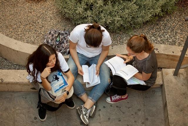 Abierto el plazo para solicitar Ayudas de la US al Estudio y 'Sociales Extraordinarias'