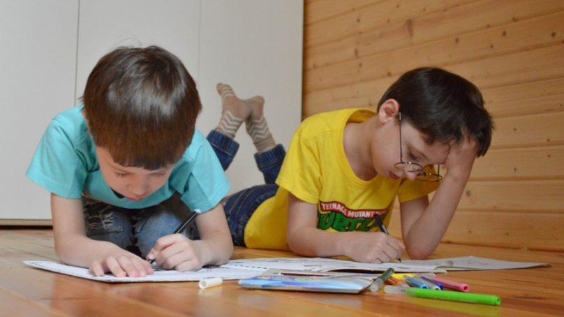 La UCO estudia el impacto del confinamiento y la virtualización de las clases en la infancia