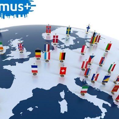La Junta destina 11,7 millones a las becas Erasmus con el complemento autonómico