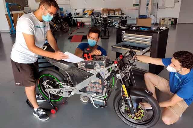 El equipo 'UMA Racing Team' vuelve a apostar por su prototipo de competición