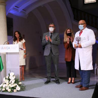 La UCA rinde un homenaje institucional a los profesionales sanitarios por su labor durante la pandemia