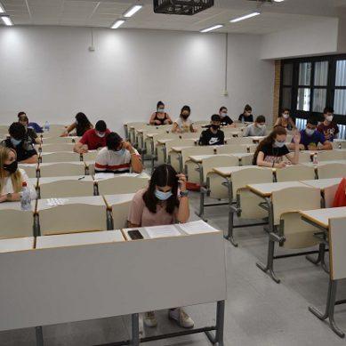 La PEvAU de septiembre examinará a casi medio millar estudiantes en la UAL
