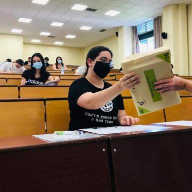 Casi 1300 estudiantes se presentan a las pruebas extraordinarias de EvAU en Málaga