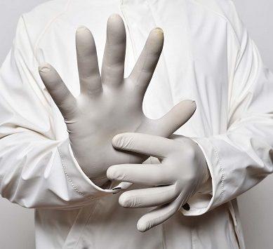 Investigadores UAL avisan del deterioro de los guantes de nitrilo por exceso de desinfección