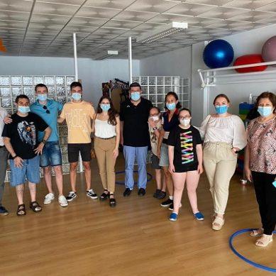 Estudiantes de Económicas muestran su compromiso social con Almería
