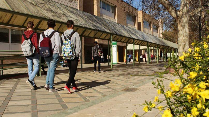 Los egresados de la UJA lideran las tasas de empleabilidad en Andalucía según el Ranking CYD