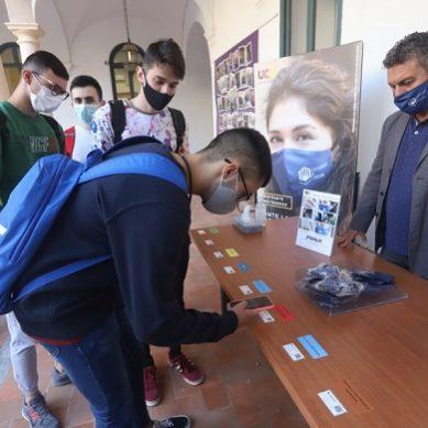 La UCO reparte mascarillas homologadas reutilizables entre todo su alumnado