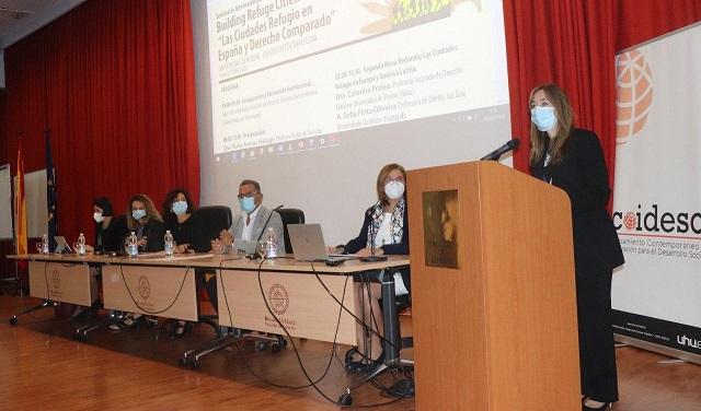 El papel de las 'Ciudades refugio', a debate en la UHU y la Universidad de Barcelona