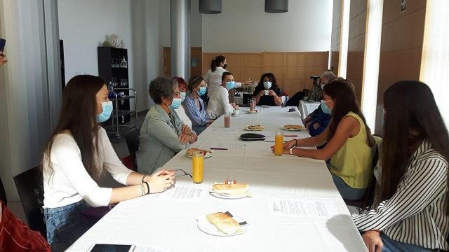 La UHU celebra un 'Death Café' en el marco de la pandemia del Covid-19