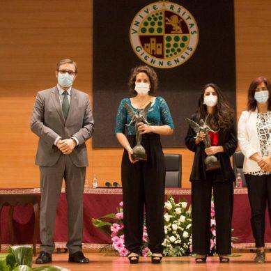 La jugadoras de Hockey Hierba, Carmen Cano y Mª de los Ángeles Ruiz, premio 'Natural de Jaén'