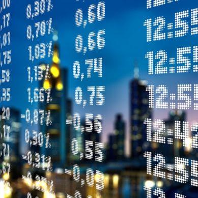Fricciones financieras y políticas de estabilización