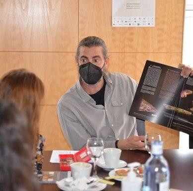 La UHU arranca su semana más divulgativa con un 'Café con Ciencia'