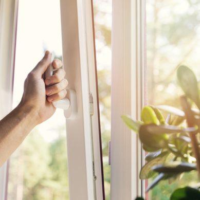 Analizan cómo el confinamiento y el uso intensivo de productos de limpieza deteriora la calidad del aire de los hogares