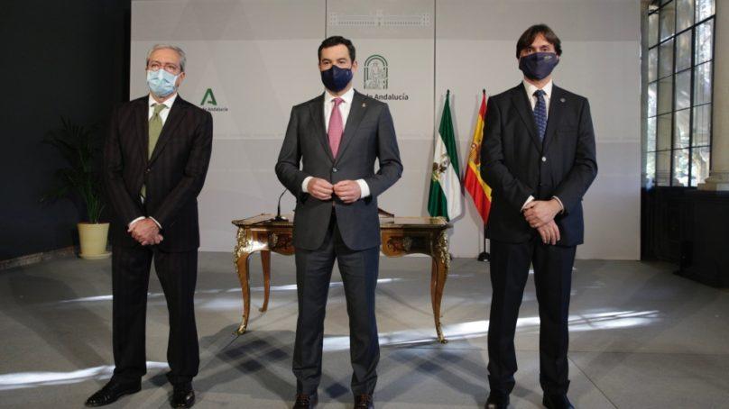 Juanma Moreno apunta a una revolución verde y digital en el acto de toma de posesión del rector de la UPO