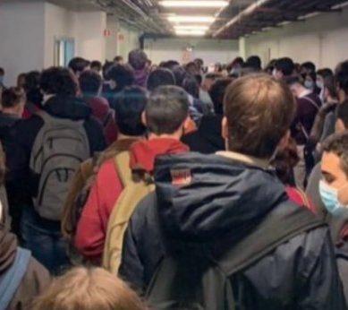 Los estudiantes de la US siguen solicitando exámenes online ante los alarmantes datos de contagios