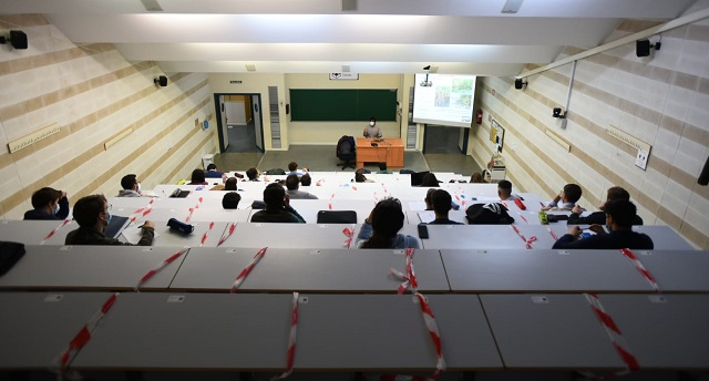 Vuelve la presencialidad en la UCO y los estudiantes regresan a las aulas