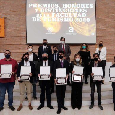 La Facultad de Turismo de la Universidad de Málaga ha hecho entrega de sus premios