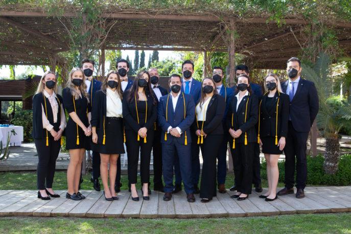 27 estudiantes brillantes de Les Roches Marbella investidos en el XXXIV capítulo de la Fraternidad hotelera Eta Sigma Delta