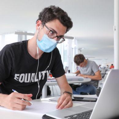 Nuevo horario de apertura de salas de estudio en la Universidad de Granada