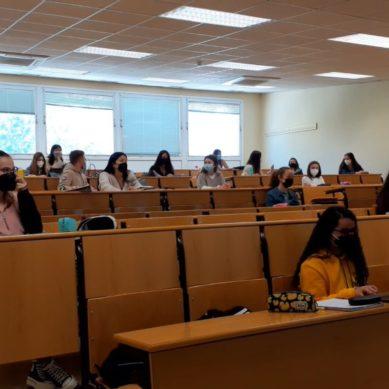 Vuelta a las aulas en los campus de la UJA