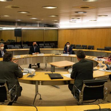 Gomez Villamandos reclama al ministro de Ciencia medidas adecuadas para impulsar la investigación en las universidades