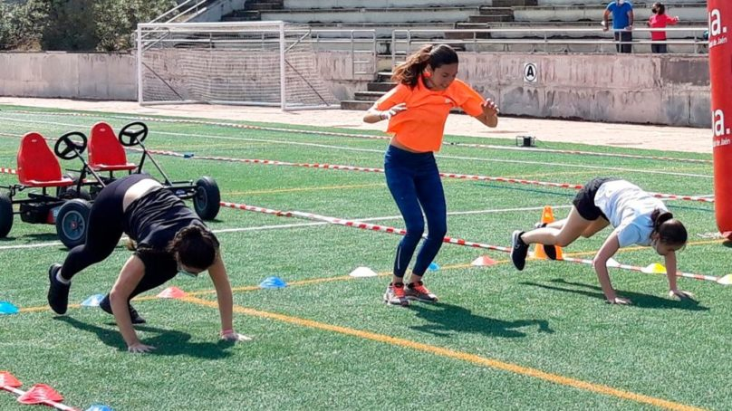 Más de cien estudiantes participan en los torneos y pruebas de las Jornadas Deportivas UJA