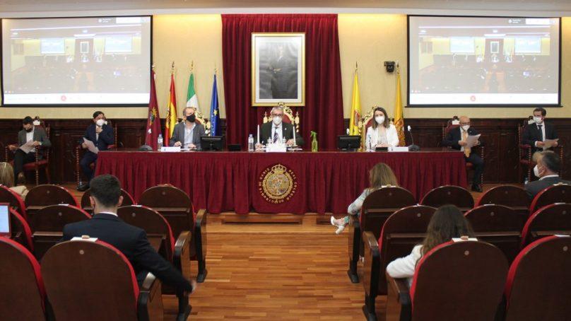 La UCA celebra un encuentro entre estudiantes españoles de Economía y Empresa