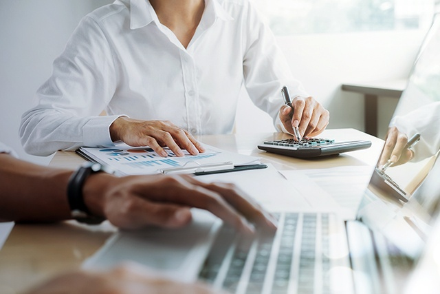 Pon a prueba tus habilidades financieras y de inversión