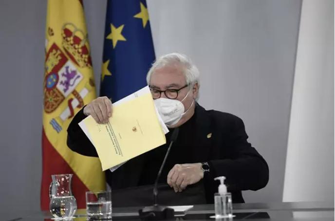 Castells desmiente la propuesta para que profesores titulares puedan ser rectores