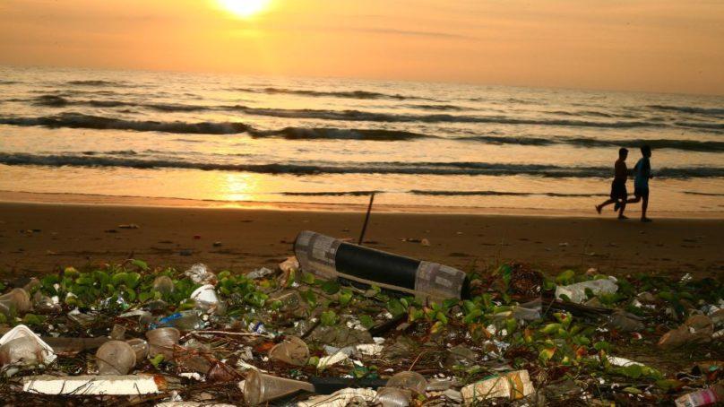 Los países con altos ingresos son los que más basura vierten a los océanos