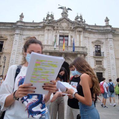Más de 10.000 estudiantes se examinan de la PEvAU en Sevilla