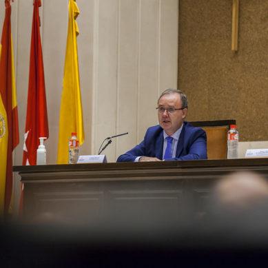 Enrique Sanz, proclamado nuevo rector