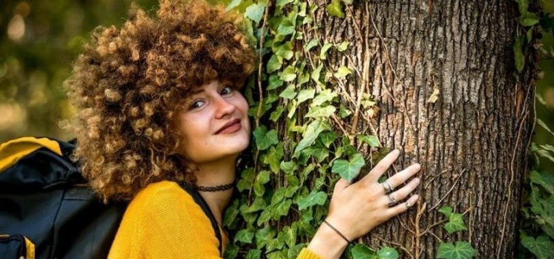 Los candidatos de Linguaskill de Cambridge contribuyen con el medio ambiente plantando árboles