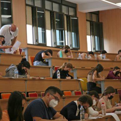 Cerca de 7.000 estudiantes convocados a la PEvAU en Cádiz