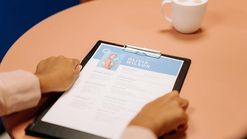 ¿Cómo elaborar un currículum vitae que te consiga empleo?