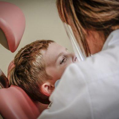 Cinco razones para seguir formándote en odontología