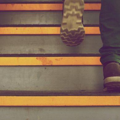Andared, una red universitaria para investigar los paseos como hábito saludable en personas mayores